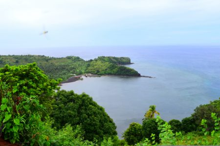 Anjouan, Comores : une plage paradisiaque avec sable blanc